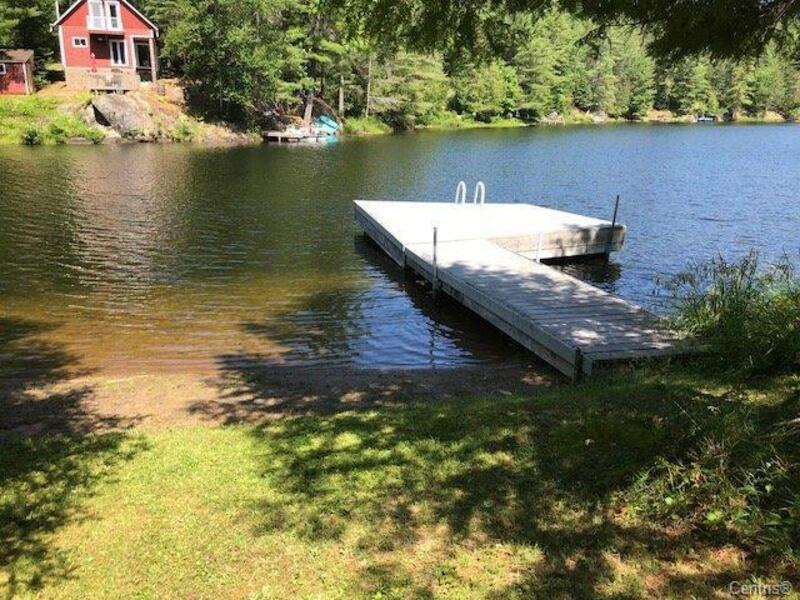 Beautiful Cottage 3 Season Directly On The Water Front  Ch Brule Lake Val Des Bois Qc 60 Minutes From Ottawa