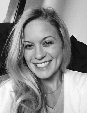 Amy L Steenburg