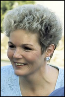 Carolyn Lee James